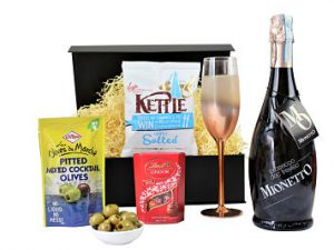 Create your own perfect bespoke present with the Prosecco Gift Set. Choose your preferred bottle of sparkling Prosecco, with delicate flavours and a fine array of bubbles from our delectable Award Winning range to accompany your choice of tasty treats.
