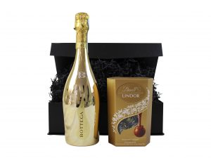 Prosecco and Chocolates, a perfect combination! Choose your own prosecco and chocolate combination to make this a truly personal gift hamper.