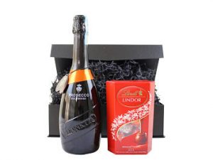 This Prosecco and Chocolate Gift Hamper is the perfect gift combination. Choose a lively and fruity Award Winning Prosecco to accompany a box of luxury Lindt Lindor chocolate truffles. A mouth watering pairing and delicious gift to enjoy and savour!