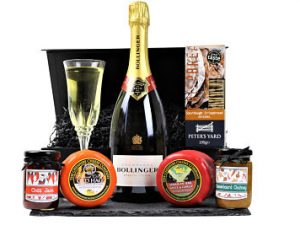 The Cheese and Prosecco/Champagne Gift Hamper will be the perfect gift of your own creation. From our superb Award Winning ranges, choose your favourite cheese, chutney's and delectable Prosecco's or Champagne's to make the perfect present. A luxurious gift to delight for any occasion.
