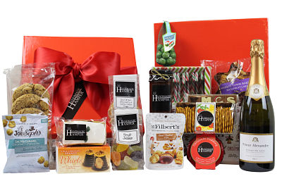 Brimming with Christmas treats the Jingle Bells Christmas Gift Hamper is the perfect choice to be enjoyed with friends. Festive plum chutney, Christmas pudding, biscuits cakes nuts and more. Presented in a Christmas themed gift box.