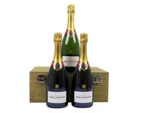 Presented in a stylish oak effect wooden gift box, the Trio of Wine. Wooden Gift Box allows you to choose your preferred bottle choice. From a range of budgets and tastes we have something to suit everyone, whether its Red, White Prosecco or Champagne!.