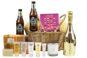 Couples gift basket, the perfect gift for any couple for any occasion. Tailor the contents to your requirements