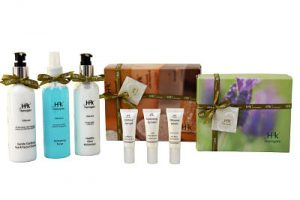 Facial gift set for all skin types providing luxury skincare and includes H2k Oilovme Gentle Eye and Facial Cleanser 200ml x1 H2k Oilovme Refreshing Toner 200ml x1 H2k Oilovme Healthy Glow Moisturiser 200ml x 1 H2k Contour Eye Gel 8ml H2k Oilovme Serum 8ml H2k Hydrating Lip Balm 8ml to leave skin feeling hydrated