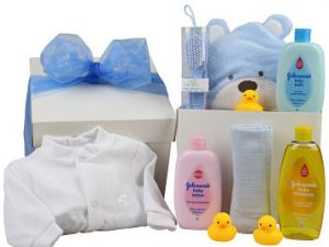 Baby Boy Gift for a newborn baby boy. Contains a sleepsuit and bath time essentials.