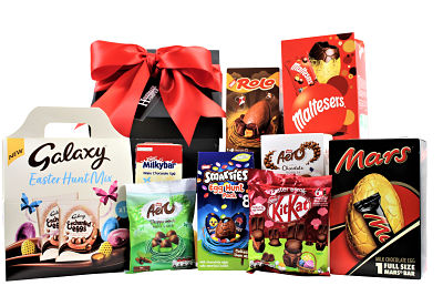 The Easter Egg Gift Box is filled full of everyone's favourite Easter treats. Delicious chocolate eggs, chocolate bunnies and more. The perfect box full of sumptuous treats for sharing with family and friends.