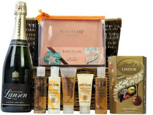 Never get tired of doing the little things that make you happy and give yourself an indulgent treat with the Sanctuary Spa Retreat Pamper Basket.  Nestled inside this willow gift hamper basket the Sanctuary Spa products included allow you to re-create your own spa day at home and provide total relaxation. Pair this gift with the bottle of your choosing and a luxurious chocolate box from master chocolatiers Lindt and you have created a pampering gift for a delicious indulgent treat.