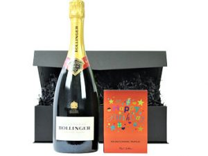 The Happy Birthday Chocolates and Fizz gift box beholds a prestigious bottle of champagne or prosecco to accompany a book box of luxury chocolate from the House of Dorchester.  A delicious delicious selection to celebrate your Birthday in style.