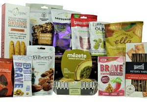If you are looking for a Vegan gift then the Vegan Treats Gift Basket is the perfect hamper just for you. Filled to the brim with tasty delights which are all suitable for a Vegetarian and Vegan diet. Candy Kittens gourmet sweets. Savoursmiths luxury crisps. Superfoods Bakery brownie bites. Mr Filberts interesting and tasty nuts and olives. Deliciously Ella plant based crackers and chocolate orange dipped almond, plus much more A basket full of deliciousness!