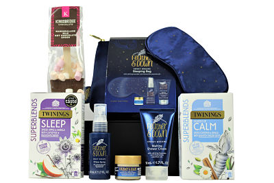 Treat someone special to the luxury sleep set within the Sweet Dreams Gift Box. The Feather and Down Sleeping Bag includes a luxury eye mask, sleep balm, pillow spray and shower cream. All you need to wind down, relax and encourage a well deserved restful night's sleep. Add a cup of the Twinings Superblends, a moment of calm or sleep tea to help a restful night get under way. Or how about a delicious hot chocolate with marshmallow topping. Luxury Belgian chocolate creating an intense flavour and chocolate yumminess!